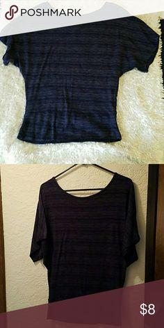 Cute w/ jeans or leggings Longer women's shirt....the length hit rt at the thighs. In great gently used condition.  Comfy too!!! Candy Rain Tops Blouses