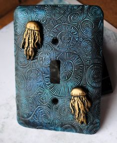 Оригинал взят у apfiya в Креативные панели для выключателей. Часть 1 - полимерная глина Есть вещи, к внешнему виду которых мы привыкаем и потом не обращаем внимания на…