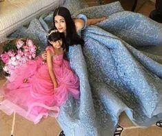 Bollywood actress Aishwarya Rai Bachchan is not an amateur figure at the Cannes red carpet and her looks from the edition of the film festival hold a testimony to that. Aishwarya Rai Cannes, Actress Aishwarya Rai, Aishwarya Rai Bachchan, Bollywood Actress, Bollywood News, Famous Celebrities, Bollywood Celebrities, Celebs, Bollywood Stars