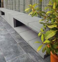 Excellent Screen front Garden Seating Ideas Outdoor spaces and patios beckon, specifically when the weather gets warmer. Small Gardens, Outdoor Gardens, Terrace Tiles, Walled Garden, Paving Stones, Garden Seating, Garden Stones, Amazing Gardens, Garden Inspiration