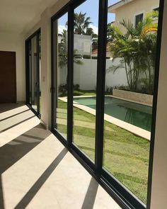 49 Creative Narrow Pools For The Tightest Spaces Ideas - My Design Fulltimetraveler Home Interior Design, Exterior Design, Future House, My House, Small Pool Design, Small Backyard Pools, Pool Designs, My Dream Home, Home Deco