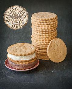 MaryJane's Farm graham cracker cookies