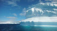 Este es el paisaje cuando el barco se aproxima a la península antártica.  http://noticierostelevisa.esmas.com/por-el-planeta/fotos
