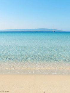 turquoise color in Simos beach, Elafonisos Island, Greece (isn't the sea amazing? Beautiful Ocean, Beautiful World, Beautiful Places, Vacation Destinations, Vacation Spots, Santorini, Travel Around The World, Around The Worlds, Turquoise Water