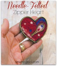 DIY needle-felted zipper heart – Indie Crafts