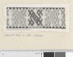 Osebergfunn fra mappe 'Oseberg tekstil - tekstilfragment nr. 21, 24' tekstilfragment 24. Tusjtegning av Mary Storm (MS1940). Mål: B: 25 cm, H: 10,5 cm.