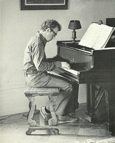 Woody Allen - Neurotic, brilliant, Jewish, creative, weird. I cant help it. I like freaks.