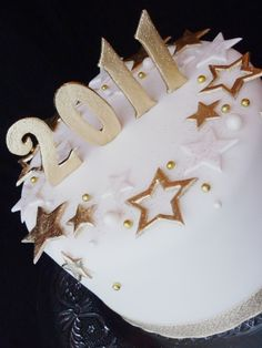 New Years cake - Happy New Year everyone!