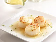 Broiled scallops with sweet lime sauce