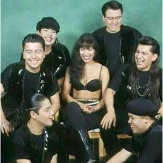 Selena y Los Dinos Selena Quintanilla Perez, Suzette Quintanilla, Divas, Jenni Rivera, Daddy Yankee, Selena And Chris Perez, Famous Murders, Selena Pictures, Her Music