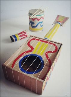 36 Trendy Music Crafts For Kids Homemade Instruments Kids Crafts, Diy Projects For Kids, Toddler Crafts, Diy For Kids, Cardboard Guitar, Cardboard Crafts, Junk Modelling, Homemade Musical Instruments, Music Crafts