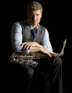 Another of my favorite saxophone players Michael Lington. Michael went on the road with Barry during his Ultimate Manilow Tour 2009. Michael was part of Brian Culbertson's band which opened for Barry.