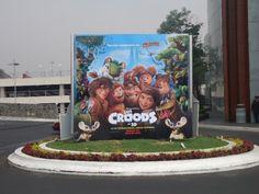 """Shortlist Effie Awards® 2014 Campaña:¿Quiénes son los Croods? Marca:Lanzamiento de la Película:""""The Croods"""" Agencia:PHD México (parte de Omnicom Media Group)"""