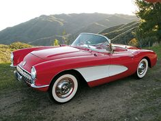 1957 Chevrolet Corvette.... GORGEOUS!!! I'd love to own one someday...