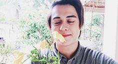 In Focus: 10 Times Enrique Gil Showed Off His Love For Liza Soberano Through Pictures Enrique Gil, Liza Soberano, Queen And Prince Phillip, Attractive Guys, Beautiful Actresses, How To Look Better, Most Beautiful, Abs, Love