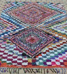 Marokkansk tæppe med farver - til enten gulv eller væg :-) BS512 € 375
