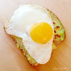 Egg Sunny Side Up, Avocado & Crushed Red Pepper Flakes