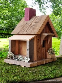 Bird House Kits Make Great Bird Houses Decorative Bird Houses, Bird Houses Diy, Fairy Houses, Bird House Plans, Bird House Kits, Bird House Feeder, Bird Feeders, Birdhouse Designs, Bird Aviary