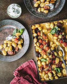 Chorizo, Gnocchi, Chana Masala, Pasta Recipes, Pasta Salad, Good Food, Food And Drink, Lunch, Meals