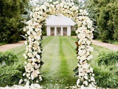 déco-jardin-mariage-en-pleine-air-arche-florale-mariage