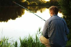 When is the best time to go fishing? See the best fishing dates and times from The 2020 Old Farmer's Almanac's fishing calendar. And enjoy some great fishing tips from Almanac anglers! Going Fishing, Fishing Tips, Bass Fishing, Fishing Boats, Fishing Lakes, Crappie Fishing, Best Fishing Times, Rednecks, Fishing