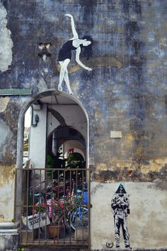 Tout est question d'équilibre... / Ballerina. / Street art. / Georgetown. / Penang. / Photo by Lindsey Rose.