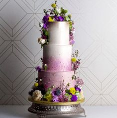 Ultra Violet might seem a little too bold a wedding theme, but this lavender wedding cake shows that it can be feminine and delicate. #UltraViolet #WeddingCake #WeddingTrend