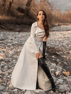 Emira Bugerra in Leveling Up - aurefga. Knee High Heels, Hot High Heels, Thigh High Boots, High Heel Boots, Over The Knee Boots, Heeled Boots, Gloves Fashion, Fashion Boots, Girl Fashion