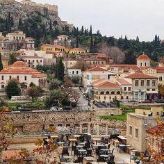 Ακρόπολη - Πλάκα #akropolis #athens #greece World Cities, Greece Travel, Athens, Perfect Place, Places To See, Paris Skyline, Travel Photography, To Go, Mansions