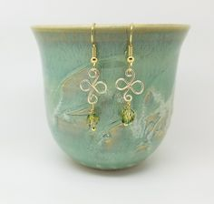 Pale green earrings - light green and gold - Luzjewelrydesign - 2