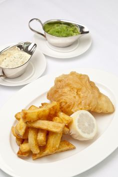 Tony Fleming is one of Britain's leading fish and seafood chefs, so this beer battered recipe is well worth a go. The fish and chips are relatively traditional but the homemade marrowfat mushy peas add a touch of luxury to this familiar favourite. Beer Recipes, Fish Recipes, Seafood Recipes, Snack Recipes, Cod Recipes, Chunky Chips, Beer Battered Fish, Mushy Peas, Great British Chefs