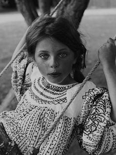 Black & White Photography Inspiration : La ligne H&M studio Enfant.tn/black-and-white/black-m-studio-enfant/