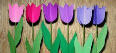 Un ramo de flores con tulipanes de papel