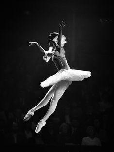 Bolshoi Ballet - A performance of Raymonda, 1993 - Photo by Sasha Gusov