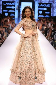 Lakmé Fashion Week – PAYAL SINGHAL AT LFW SR 2015