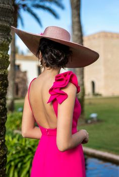 Nueva Colección P/V18 – 1sillaparamibolso Fiesta Outfit, Casual Dresses, Fashion Dresses, Merian, Dress Hats, Mode Style, Couture Fashion, Chic Outfits, Pretty Dresses