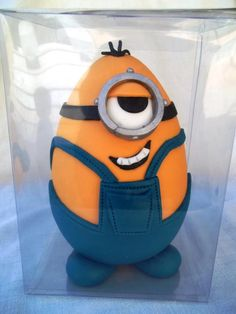 Minion easter egg - Cake by Mina's cakes and cookies