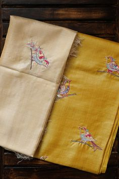 Light Yellow with Cream Tussar Silk Embroidered Top with Dupatta Hand Embroidery Flowers, Hand Work Embroidery, Creative Embroidery, Hand Embroidery Designs, Embroidery Suits Punjabi, Embroidery Suits Design, Dress Neck Designs, Blouse Designs, Ladies Suits Indian