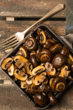 Smoked until tender in a cast iron pan, mushrooms make the perfect appetizer or side dish to add earthy flavor to the table. Smoked until tender in a cast iron pan, mushrooms make the perfect appetizer or side dish to add earthy flavor to the table. Smoker Grill Recipes, Smoker Cooking, Grilling Recipes, Grilling Ideas, Healthy Grilling, Bbq Ideas, Smoked Sides, Traeger Recipes, Smoke Grill