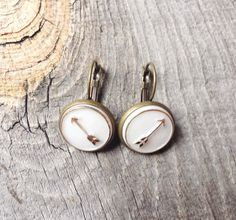 Sweet vintage arrow earrings on Etsy!