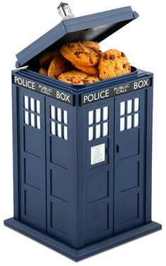 TARDIS Cookie Jar?!? Gotta have it!