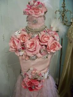 Very shabby chic flower dress form. Mannequin Art, Dress Form Mannequin, Corsets, Material Flowers, Boudoir, Everything Pink, Pink Outfits, Mannequins, Dressmaking