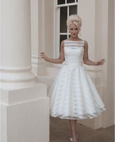 New Custom A Line Scoop Sleeveless Vintage Tea Length Tulle Short Wedding Dresses Bridal Gowns Free Shipping 2014-in Wedding Dresses from Apparel & Accessories on Aliexpress.com | Alibaba Group