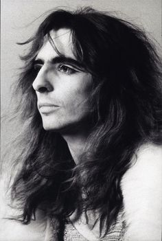 Alice Cooper was born Vincent Damon Furnier in 1948 in Detroit, Michigan Alice Cooper, Rock N Roll, Thing 1, Rock Legends, The Villain, Glam Rock, Classic Rock, Rock Music, Hard Rock