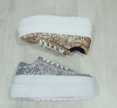 Zapatillas Altas Plataformas Estrellas https://articulo.mercadolibre.com.ar/MLA-675323978-zapatillas-altas-plataformas-estrellas-_JM