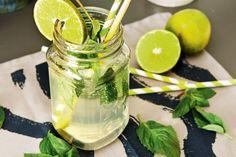 Selbstgemachte Limonade mit wenig Zucker Pickles, Cucumber, Table Decorations, Food, Kids, Healthy Drinks For Kids, Fruit Yogurt, Mint, Sugar