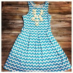 It also comes in blue!! $36.95! #spring
