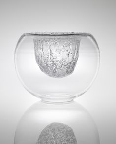View Bowl, from the 'Finlandia' series, model no. 3374 by Timo Sarpaneva sold at Nordic Design on 27 September 2012 London. Nordic Design, Scandinavian Design, Clear Glass, Glass Art, Vintage Bowls, Ceramic Tableware, Glass Containers, Glass Design, Decorative Accessories
