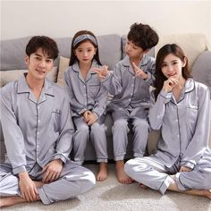 Cute Asian Babies, Korean Babies, Asian Kids, Cute Babies, Ulzzang Kids, Ulzzang Couple, Couple With Baby, Mom And Baby, Couple Outfits