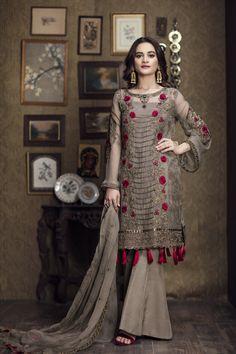 Indian ethnic Party wear New Style Bollywood Designer Pakistani Salwar Kameez Pakistani Dresses Casual, Pakistani Bridal Dresses, Pakistani Dress Design, Indian Dresses, Indian Outfits, Eid Dresses, Chiffon Dresses, Dresses Online, Designer Salwar Suits